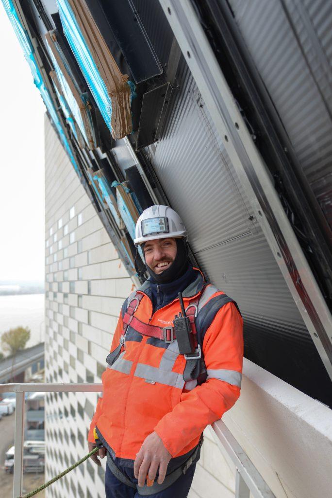 842e704e3296d Armindo Machado est maçon-coffreur pour la société néo-aquitaine GTM  Bâtiment Aquitaine. Il travaille sur le chantier de la MÉCA depuis  septembre 2016.